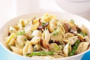 BBQ bijgerechten pastasalade met asperges